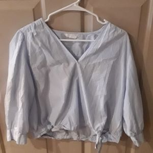 ❤️H&M baby blue and pinstripe cropped blouse